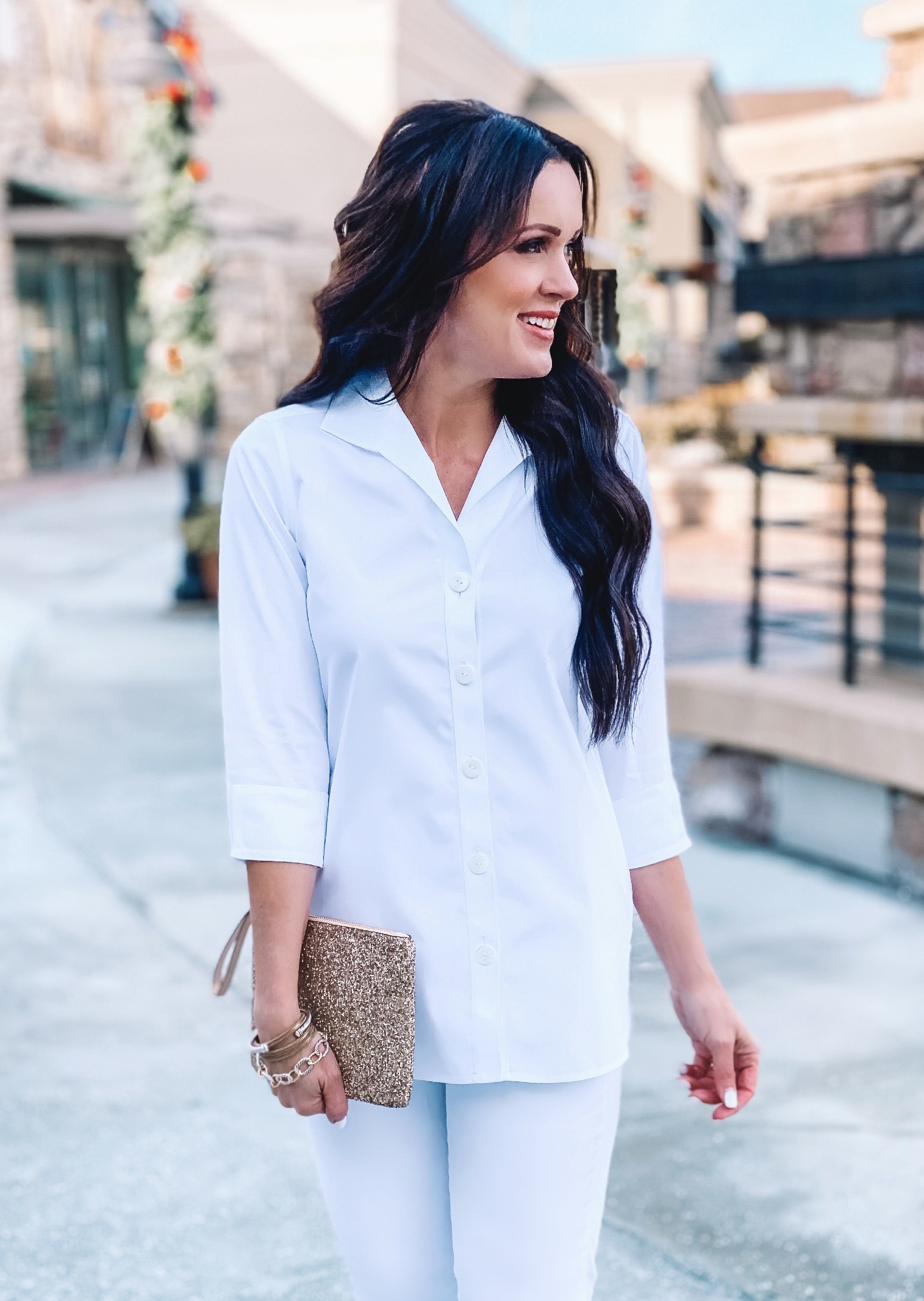 The Pandora Non-Iron Pinpoint Tunic pairs beautifully with white denim for a classic look.